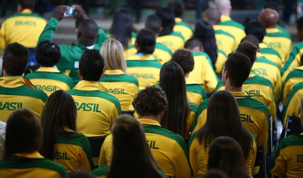 Ministério do Esporte publicou o edital do Bolsa Atleta destinado a esportistas de modalidades que não fazem parte dos programas dos Jogos Olímpicos e Paralímpicos; ele prevê que as inscrições, pela internet, terão início na próxima segunda-feira (14) e serão encerradas no dia 23 de novembro