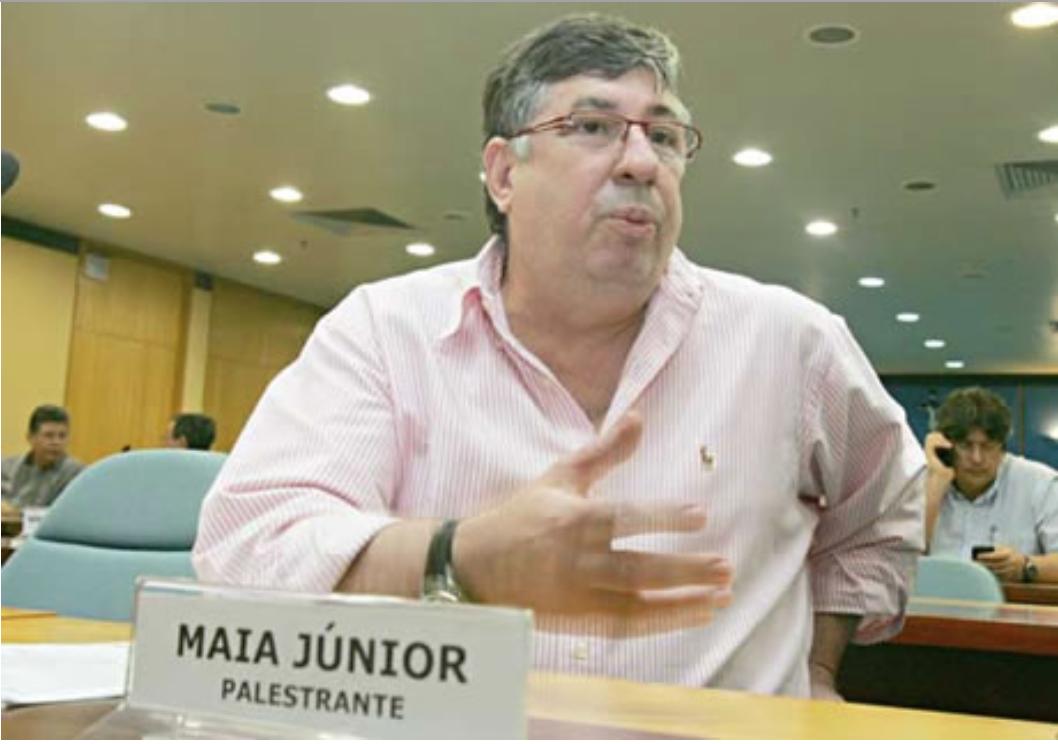 """Ex-vice governador e filiado ao PSDB há mais de duas décadas, Francisco Queiroz Maia Júnior confirmou nesta terça (10) que aceitou o convite e irá assumir a Secretaria de Planejamento (Seplag) da gestão Camilo Santana (PT). """"Eu aceitei o convite. Agora eu vou, prudentemente, aguardar o anúncio do próprio governador para me manifestar sobre o assunto"""", disse"""