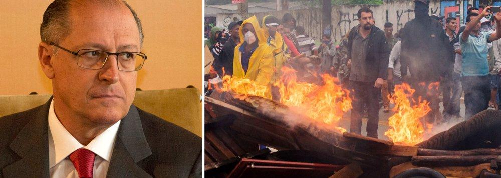 """A bancada do PT na Câmara reagiu com indignação à ação de reintegração de posse da Policia Militar em São Paulo, que resultou na prisão do coordenador do MTST, Guilherme Boulos, na manhã desta terça-feira, 17; """"Causa espanto e indignação o fato de que Guilherme Boulos foi detido enquanto intermediava o diálogo entre a PM-SP e as 700 famílias que ocupam um terreno na Zona Leste de São Paulo"""", disse líder do partido na Casa, deputado Carlos Zarattini; """"Em vez de garantir o diálogo, a polícia optou pela repressão explícita, usando um dispositivo arcaico do Código Penal – a acusação de """"desobediência civil"""" – para justificar a prisão de um dirigente político, ação que é típica de regimes totalitários"""""""