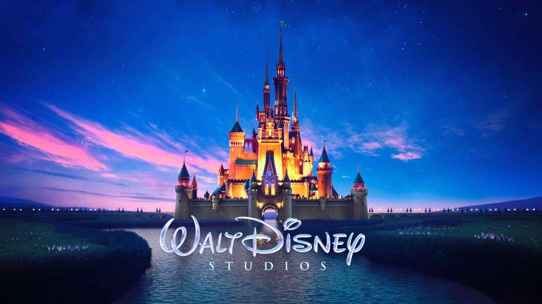 """Um tribunal de Xangai ordenou que duas empresas chinesas paguem quase 200 mil dólares à Walt Disney e à Pixar em indenizações por copiar partes dos filmes """"Carros"""" e """"Carros 2"""", informou neste sábado a agência de notícias oficial Xinhua; decisão é a mais recente de uma série de vitórias de empresas estrangeiras quanto aos direitos autorais na China, em ações que reclamam de infrações disseminadas ao princípio da propriedade intelectual no país"""