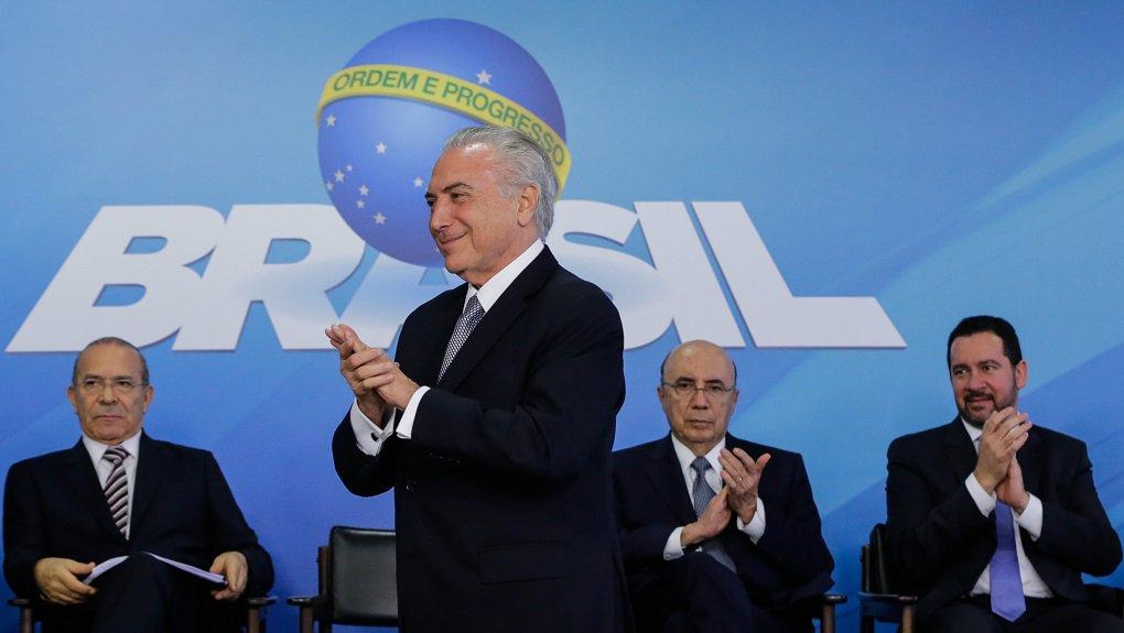 (Brasília, DF 22/12/2016) Presidente Michel Temer assina a Medida Provisória do Programa de Manutenção e Geração de Empregos. Foto: Marcos Corrêa/PR