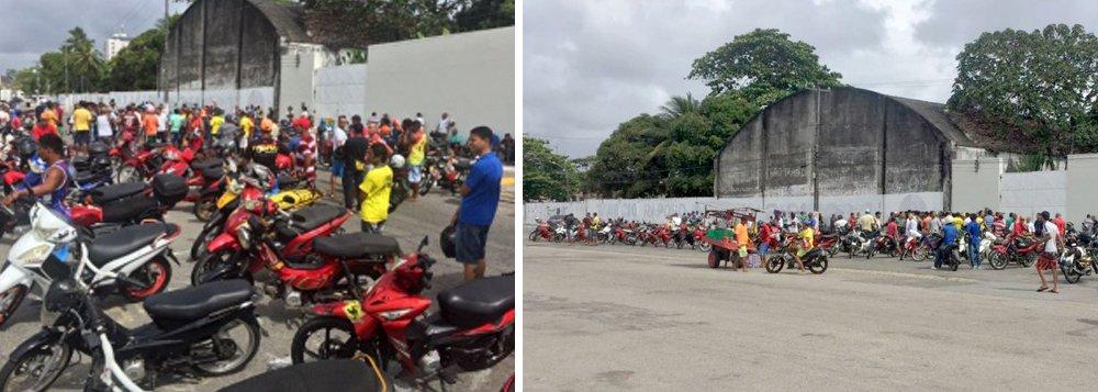 """Um grupo de condutores de """"cinquentinhas"""" protestou, em Maceió, contra a decisão do Departamento Nacional de Trânsito (Denatran) que passou a exigir Carteira de Habilitação (CNH) para guiar as motocicletas; principal reivindicação deles é a criação de uma Autorização de Condução de Ciclomotores social"""