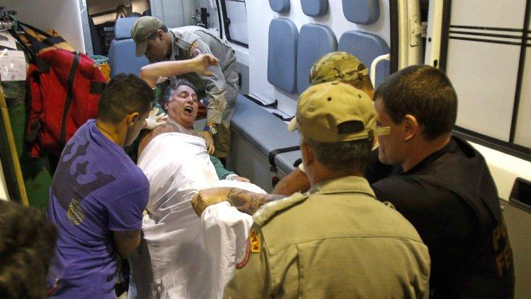 Na noite desta quinta (17), o País assistiu pasmo a uma degradante cena durante transferência do ex-governadorAnthony Garotinho (PR), de maca, para o presídio Bangu 8. Tratou-se de mais um capítulo de abuso de poder de um juiz contra pessoa humana