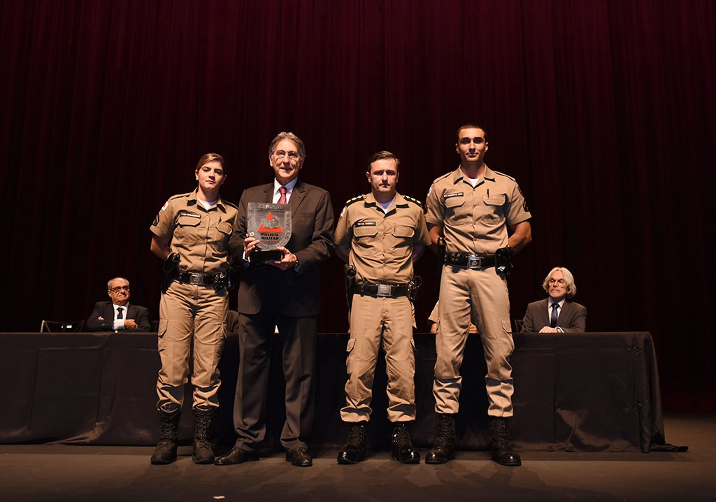 Governador Fernando pimental participa do encontro com nos soldados da policia Militar. 26-01-2017- Palácio das Artes.