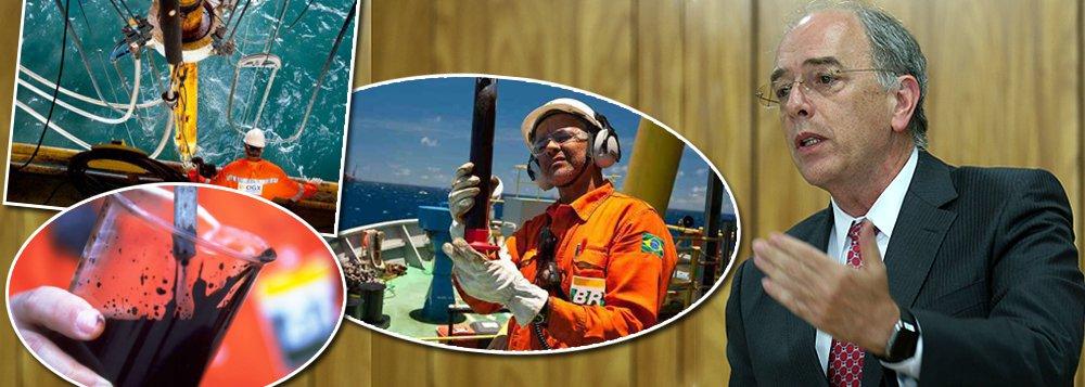 A política de desinvestimento e venda de ativos a preços de banana para petroleiras estrangeiras, comandada por Pedro Parente, fez a Petrobras reduzir suas reservas em 8% em 2016; companhia fechou o ano com volume de reservas provadas de 12,514 bilhões de barris de óleo equivalente (boe), ante 13,279 bilhões de boe no fim de 2015; nível mais baixo desde 2001 reflete a redução do ritmo exploratório; segundo dados da Agência Nacional de Petróleo (ANP), a Petrobras perfurou em 2016 apenas dez poços, o menor patamar desde 1954; analistas ouvidos pelo jornal Valor Econômico falam que a tendência é que as atividades continuem em baixa nos próximos anos, porque o plano de negócios da estatal prevê, na média, investimentos de US$ 1,3 bilhão ao ano na área de exploração até 2021