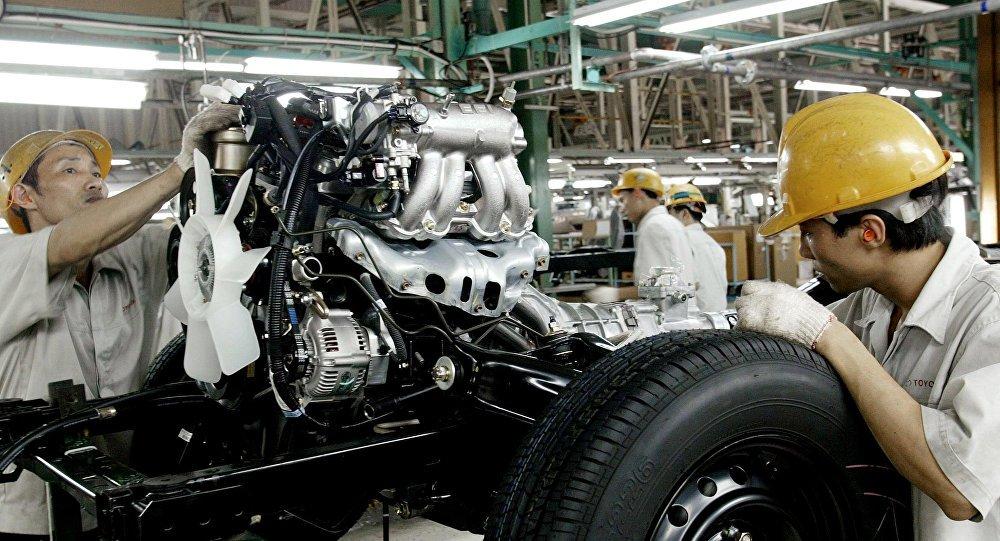 """""""A Toyota Motor informou que vai construir uma nova fábrica em Baja, no México, para fabricar carros Corolla para os EUA. SEM CHANCE! Construa a planta (industrial) nos EUA ou pague um grande imposto na fronteira"""", postou Trump no Twitter"""