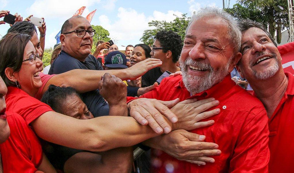 """Com o slogan """"Por um Brasil justo pra todos e pra Lula"""", o movimento será lançada na Casa de Portugal, na capital paulista, nesta quinta-feira 10, com a presença do ex-presidente; objetivo é iniciar um amplo movimento por todo País, e também no exterior, com eventos e manifestações contra as perseguições ao ex-presidente Lula e em defesa da democracia"""
