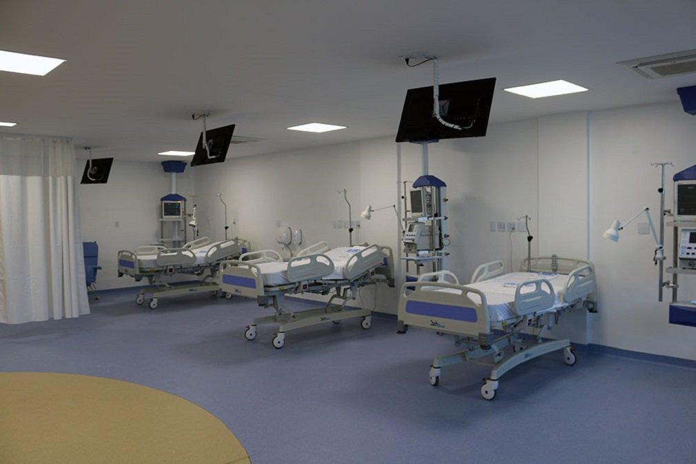 """O Hospital de Urgências de Goiânia (Hugo) conquistou a acreditação nível 1 fornecida pela Organização Nacional de Acreditação (Ona); na prática, isso significa que a unidade receberá um certificado de qualidade dos serviços de saúde, concedido a apenas 4,61% dos 6.140 hospitais de todo o Brasil; 'É com muita alegria que recebemos a notícia de sermos um hospital acreditado. É o reforço do que buscamos dia a dia: aprimorar a assistência prestada, sempre com o foco nos processos de segurança do paciente"""", comemora Ricardo Furtado, diretor Técnico da unidade"""