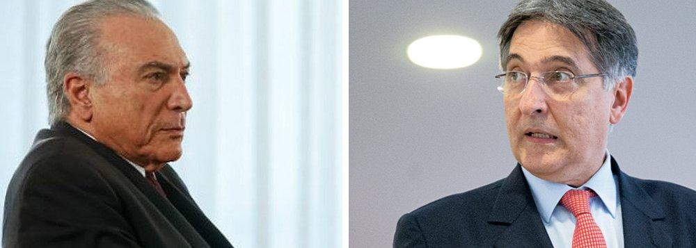 """Apesar de afirmar possuir uma relação """"muito boa"""" com Michel Temer, governador de Minas, Fernando Pimentel, afirmou que o peemedebista e o ministro da Fazenda, Henrique Meirelles, estão """"exagerando a mão no ajuste fiscal""""; """"Nunca ouvi falar de se salvar um paciente com grave infecção retirando o antibiótico dele. É o que estão fazendo com a economia brasileira. Se você aperta as despesas públicas, que é o caso no Brasil, o impacto no PIB é devastador"""""""", criticou"""