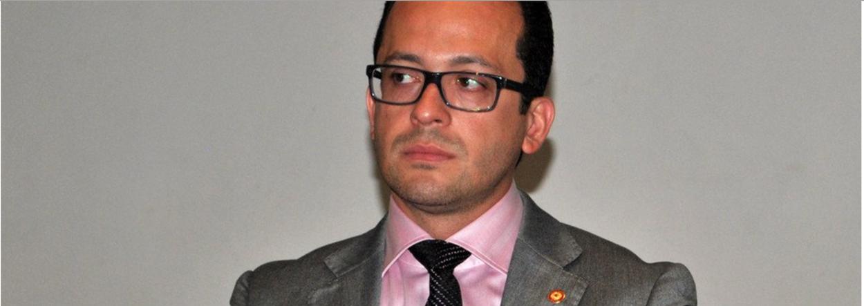 O cearense André Costa, que atua como delegado da Polícia Federal de Alagoas, é o novo secretário da Segurança Pública e Defesa Social do Ceará. O anúncio foi feito pelo governador Camilo Santana (PT), nesta quinta (5), em postagem nas redes sociais