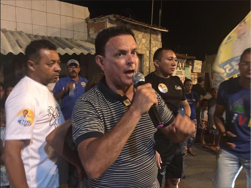 O vereador Plácido Filho (PSDB) foi escolhido como o líder da oposição ao prefeito Roberto Cláudio (PDT) na Câmara Municipal de Fortaleza. A bancada de oposição conta, no momento, com 12 parlamentares, mas pode encolher com a migração do PT para a base governista e com o discurso de independência dos representantes do Solidariedade