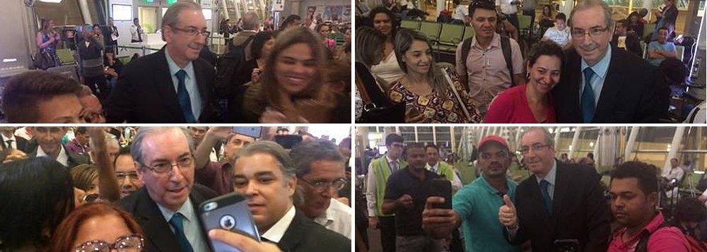 """Apesar de ter sido chamado de """"ladrão"""" e """"safado"""" no aeroporto de Brasília nesta quinta-feira 15, o ex-deputado Eduardo Cunha, cassado e réu por corrupção, também foi tietado pelos passageiros, que pediram para tirar selfies;um grupo gritava o nome de Cunha e """"Fora, PT"""" para o principal articulador do golpe contra Dilma Rousseff;Cunha foi cassado depois de ter sido denunciado por vários crimes, mas ainda tem admiradores"""
