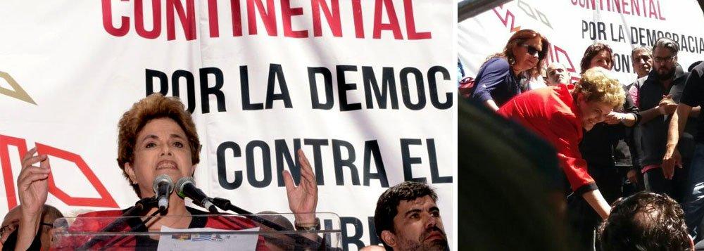 """Ex-presidente Dilma Rousseff criticou nesta sexta-feira, 4, durante evento em Montevidéu, o que considera um processo que visa """"reverter"""" as conquistas sociais no continente latino-americano; """"Querem reverter todas as conquistas sociais. Me preocupa muito que este seja um processo que tenha uma característica continental"""", afirmou, em discurso na""""Jornada Continental pela Democracia e contra o Neoliberalismo"""", organizado por centrais sindicais uruguaias; Dilma disse que há pessoas que querem """"continuar com a mais perversa desigualdade"""" e defendeu os governos de esquerda da região; """"Na América Latina, houve ganhos dos trabalhadores mais pobres, apesar de isso não ter acabado com a desigualdade""""; presidente vítima de um golpe parlamentar será declaradacidadã ilustre de Montevidéu"""
