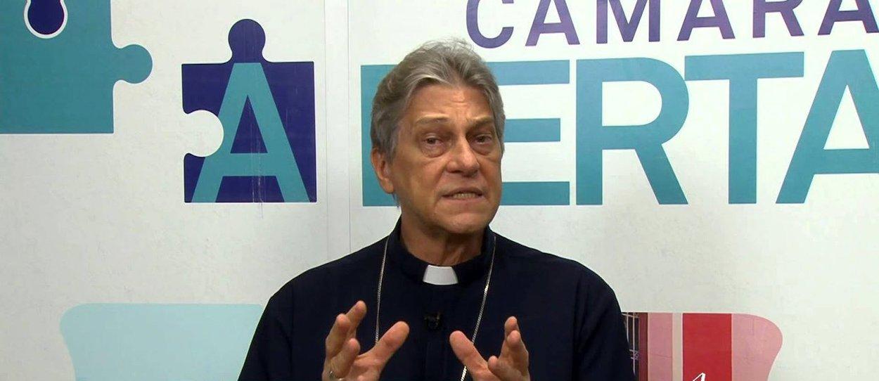 O papa Francisco aceitou nesta quarta-feira (6) a renúncia ao governo pastoral da arquidiocese da Paraíba apresentada pelo arcebispo dom Aldo Di Cillo Pagotto, acusado de manter relações homossexuais e de ignorar casos de pedofilia