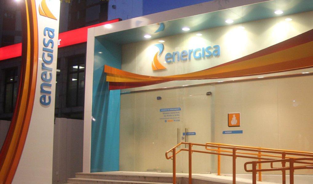 A Diretoria da Agência Nacional de Energia Elétrica (ANEEL) aprovou as revisões tarifárias das empresas Companhia Campolarguense de Energia (Cocel-PR), com entrada em vigor em 29 de junho, e Energisa Tocantins (ETO), em 4 de julho; o reajuste deve atingir 572.196 mil unidades consumidoras no Tocantins, quantidade atendida pela Energisa nos 139 municípios do Estado, com reajuste de 13,79%