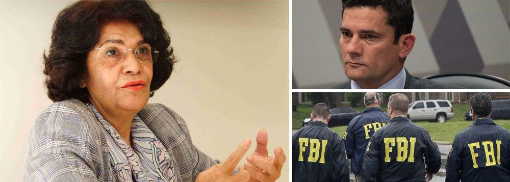 """Filósofa e professora Marilena Chauí, 74, afirmou em vídeo publicado pelo Nocaute TV que o juiz federal Sergio Moro, da operação Lava Jato, foi treinado pelo FBI —o equivalente à Polícia Federal nos EUA— para conduzir o caso; """"Ele recebeu um treinamento que é característico do que o FBI fez no Macarthismo [política de perseguição anticomunista adotada pelos EUA nos anos 1950] e fez depois do 11 de setembro que é a intimidação e a delação"""", afirmou; segundo ela, os Estados Unidos teriam o objetivo de desestabilizar o Brasil para retirar do país sobre o pré-sal; """"A Operação Lava Jato é, vamos dizer, o prelúdio da grande sinfonia de destruição da soberania brasileira para o século 21 e 22""""; assista"""