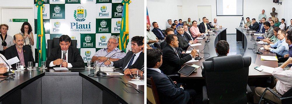 O governador Wellington Dias se reuniu com membros de associações de produtores agrícolas de diversas regiões do Piauí e defendeu a diversificação no agronegócio piauiense com implantação de novas culturas casadas com a criação de animais; segundo levantamento da Aprosoja, a área cultivada com soja e milho, principais commodities, saltou de 10 mil hectares em 1996 para 600 mil hectares em 2016, mas a estiagem prolongada em 2016 quebrou a sequência positiva na colheita; o cerrado piauiense teve seu pior desempenho na safra de grãos nos últimos 20 anos: apenas 645 mil toneladas de soja colhidas