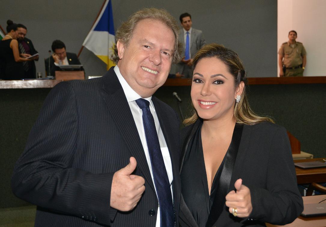 Com 17 votos, o deputado estadual Mauro Carlesse (PHS) foi eleito o novo presidente da Assembleia Legislativa do Tocantins; Osires Damaso (PSC), o outro postulante, recebeu sete votos; Luana Ribeiro (PDT) foi eleita, também com 17 votos, para o cargo de vice-presidente da Mesa Diretora da Casa