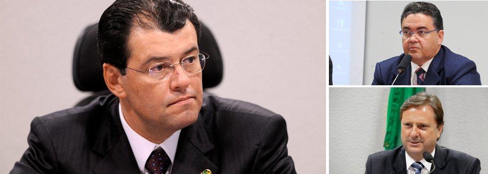 """Ao menos três outros senadores que votaram pelo afastamento da presidente Dilma Rousseff engrossam a lista dos que se dizem """"indecisos""""; Eduardo Braga (PMDB-AM), citado em delação premiada na Lava Jato, Roberto Rocha (PSB-MA) e Acir Gurgacz (PDT-RO) indicam que podem mudar de campo; para que o Senado aprove o impeachment serão necessários 54 votos a favor"""