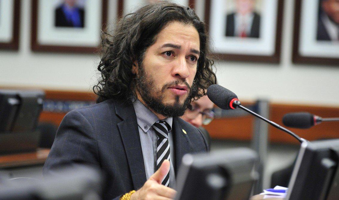 Os deputados Jean Willys e Chico Alencar estarão em Fortaleza na próxima semana, para dar apoio às candidaturas do PSOL na capital e no interior. Jean também ministrará palestra sobre respeito à diversidade, na sede do partido