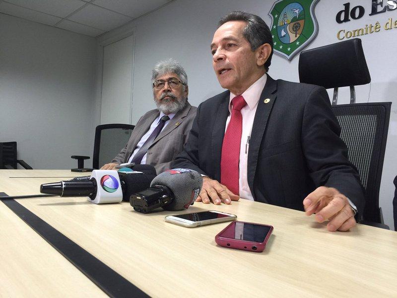 """Apesar de seu partido ter declarado apoio a Roberto Cláudio (PDT), o deputado estadual Heitor Férrer (PSB), candidato derrotado na última eleição, decidiu manter-se neutro no segundo turno da disputa pela Prefeitura de Fortaleza. O parlamentar defendeu que seu posicionamento é em respeito ao seu eleitorado na Capital. """"Acho que no momento, para que esse eleitor se sinta respeitado, tanto para os que votam em um como para os que votam no outro, eles querem a minha neutralidade"""", justificou"""