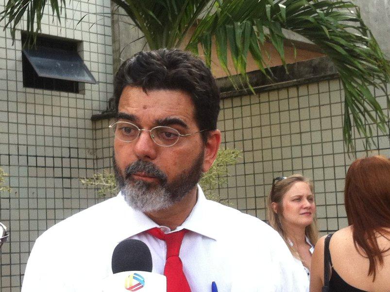 O vereador João Alfredo (Psol) assumiu a missão de concorrer à Prefeitura de Fortaleza pelo Psol. Ele havia anunciado recentemente que não tentaria sequer uma reeleição à Câmara Municipal, mas acabou voltando atrás