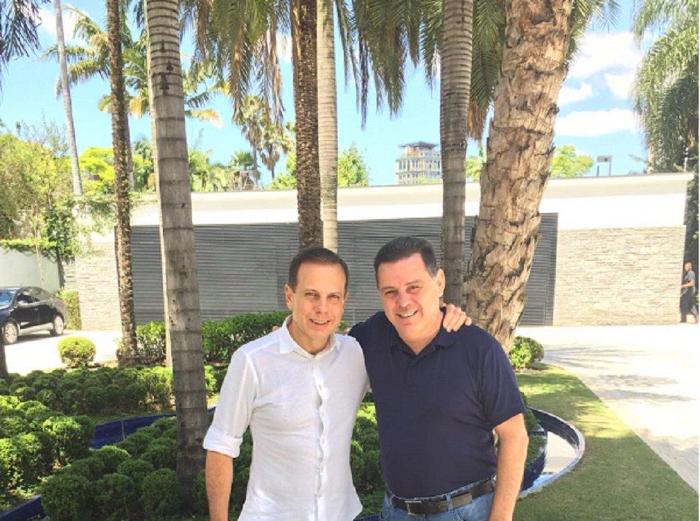 """Governador goiano e o prefeito eleito de São Paulo se encontraram este sábado na capital paulista e conversaram sobre as eleições municipais, o desempenho do PSDB e projetaram parcerias; """"Foi uma reunião extremamente produtiva, em que ficou claro que Goiás e a cidade de São Paulo têm uma extensa pauta de objetivos em comum"""", afirmou Marconi"""