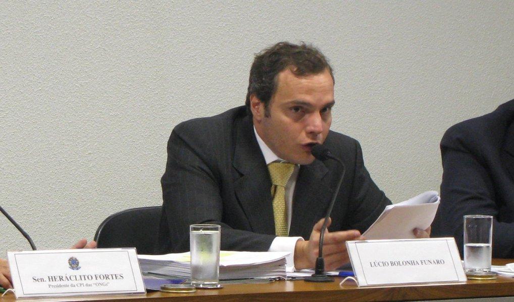 """Advogado Daniel Gerber, que defende o doleiro Lúcio Funaro, preso nesta sexta-feira, diz que a hipótese de delação premiada """"está descartado, porque não há o que ser delatado""""; ele também disse ter ciência da """"inocência"""" de seu cliente"""