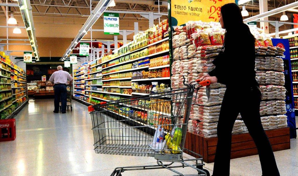 O faturamento real dos supermercados no Estado de São Paulo (deflacionado pelo IPS/FIPE) no conceito de mesmas lojas – que considera as lojas em operação no tempo mínimo de 12 meses – registrou queda de 2,15%, de janeiro a maio de 2016 em relação ao mesmo período de 2015; em maio houve queda de 5,14% nas vendas em relação ao mesmo mês de 2015, e em comparação com abril de 2016 houve retração de 1,58%