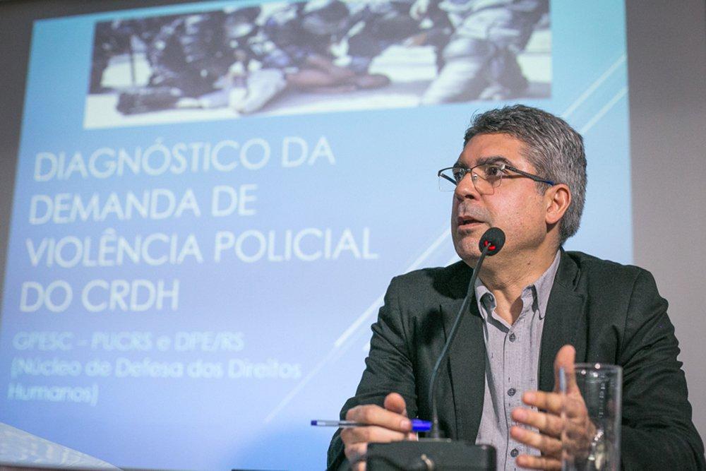 13/09/2016 - PORTO ALEGRE, RS - Audiência pública da defensoria no Plenarinho sobre violência policial. Foto: Guilherme Santos/Sul21