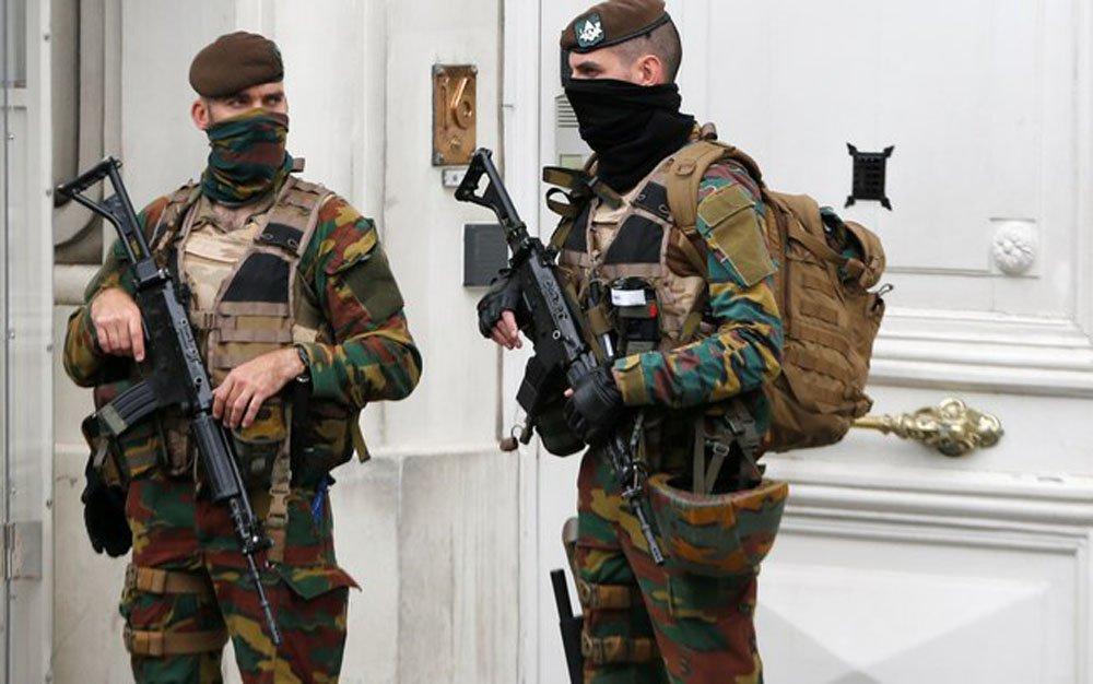A polícia belga prendeu 12 suspeitos em uma operação anti-terror durante a noite em meio a alertas de segurança na Bélgica e na França sobre a Eurocopa e somente três meses após bombardeios islâmicos em Bruxelas
