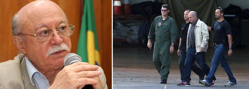 """Ex-presidente nacional do PSB, Roberto Amaral reagiu à prisão do ex-ministro Paulo Bernardo: """"A Lava Jato tem méritos. Ninguém é contra que criminosos de colarinho branco sejam mandados para a cadeia. Mas a Lava Jato está sendo usada como um projeto político eleitoral para destruir Lula e desmantelar o PT""""; segundo ele, """"há uma evidente blindagem do PMDB e uma clara tentativa de atingir o PT"""""""