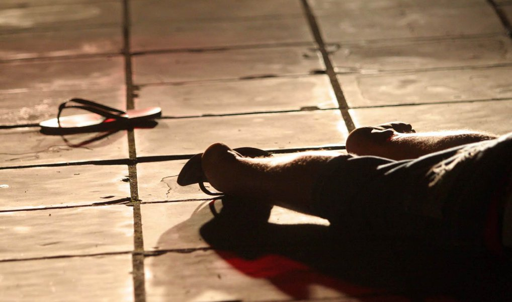 O número leva a conta cada grupo de cem mil habitantes; apontou a pesquisa 'Violência Letal Contra as Crianças e Adolescentes do Brasil', preparada pela Faculdade Latino Americana de Ciências Sociais (Flacso) Brasil; em números absolutos, foram 541 infanticídios no estado; o índice era considerado o mais alto do Brasil, com 43 homicídios de pessoas com esta faixa etária por 100 mil habitantes; o percentual representa um aumento de 193% em relação a 2003, quando o Estado era o sétimo mais violento para crianças e adolescentes