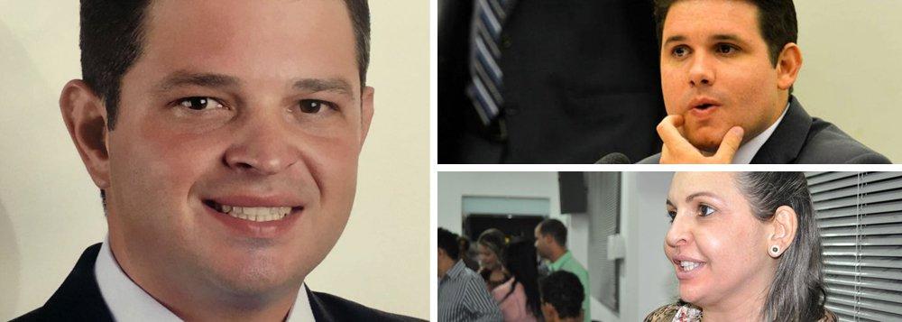 Ministério Público Federal investiga a mãe do deputado, Ilanna Motta, por desvios em obras financiadas com recursos do Fundo Nacional de Saúde; Ilanna Motta, que foi presa pela Operação Veiculação da Polícia Federal, era chefe de gabinete de sua mãe, Francisca Motta, prefeita de Patos (PB), e foi afastada a pedido do MPF; prefeito de Emas (PB), José Willian Segundo Madruga, cunhado do ex-presidente da CPI da Petrobras, também aparece no relatório da Operação Desumanidade