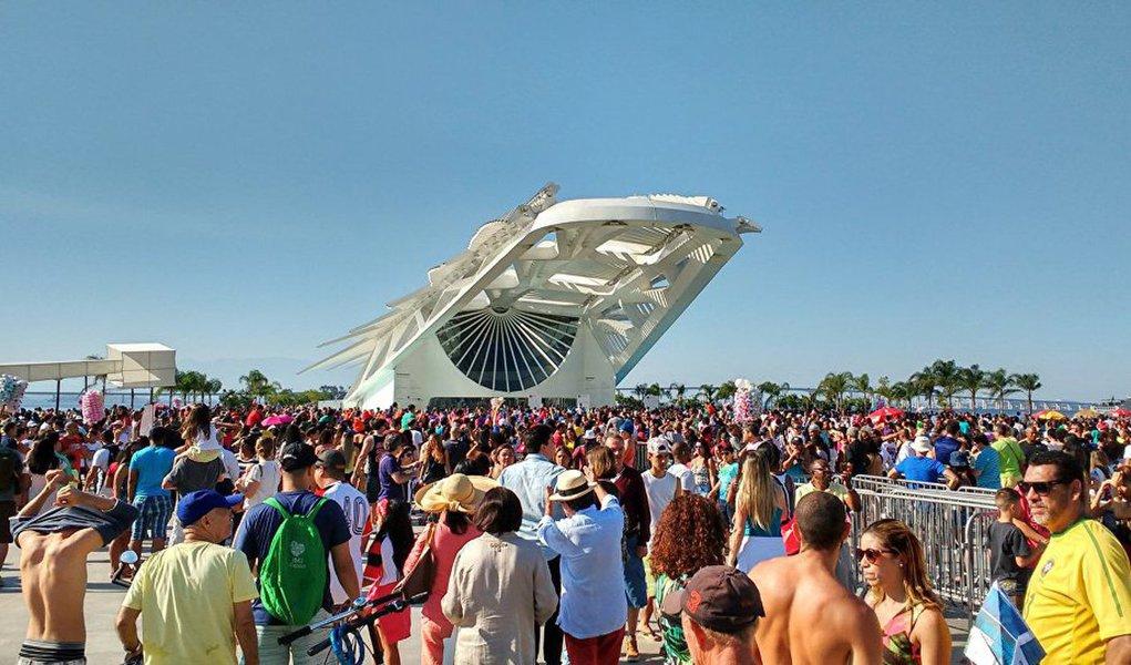 O Rio de Janeiro recebeu 243 mil turistas durante a Paralimpíada, que tiveram gasto médio diário de R$ 271,20, com um total de R$ 410 milhões em renda gerada