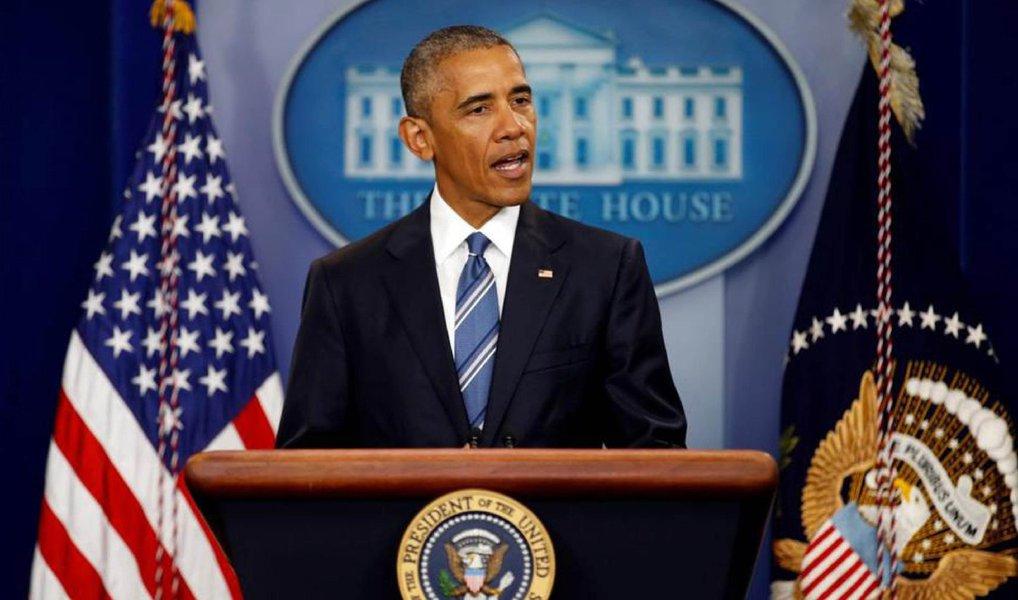 """Presidente dos Estados Unidos, Barack Obama, disse nesta sexta-feira, 24, que a relação dos EUA tanto com o Reino Unido como com a União Europeia será duradoura, após a decisão britânica de deixar o bloco; """"O povo do Reino Unido falou, e respeitamos a decisão"""", disse Obama em um comunicado; """"O Reino Unido e a União Europeia continuarão sendo parceiros indispensáveis dos Estados Unidos mesmo quando começarem a renegociar sua relação"""""""