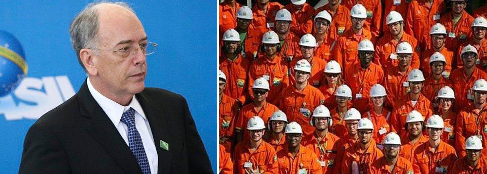 """Os petroleiros reagiram com indignação a uma proposta da gestão Pedro Parente, na Petrobras, que propôs reduzir a jornada e o salário dos funcionários; """"A proposta apresentada pela Petrobras é afronta aos trabalhadores"""", disse o coordenador da FUP Jose Maria Rangel, em um comunicado. """"A FUP e seus sindicatos darão uma resposta dura""""; Deyvid Bacelar, um líder da FUP , afirma que a possibilidade de uma greve neste ano é cada vez mais provável;""""Eles estão usando os problemas financeiros como uma desculpa, e nós não vamos tolerar isso"""""""
