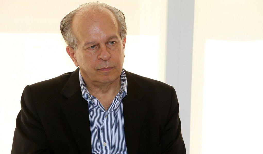 Na série de vídeos 'E agora?', da Rede Brasil Atual, ex-ministro Renato Janine Ribeiro afirma que questão racial, pobreza e ignorância são marcas que estruturam esse sistema desigual, e que a educação é a saída
