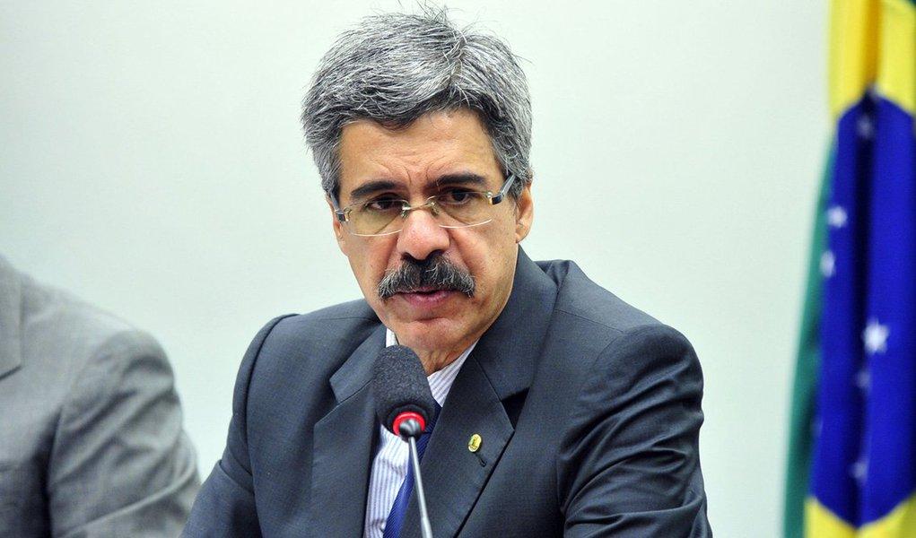 O engenheiro Zwi Skornicki, que teve delação premiada homologada pelo STF no âmbito da Lava Jato, afirmou em depoimento aos procuradores que pagou propina ao deputado Luiz Sérgio (PT-RJ), relator da CPI da Petrobras em 2015, para que não fosse convocado a depor na comissão