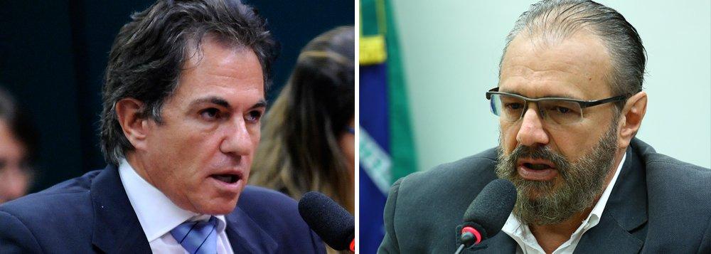 O executivo da empresa Toyo Setal Augusto Mendonça Neto e o ex-gerente de Serviços da Petrobras Pedro Barusco, delatores da Operação Lava Jato, devem ser ouvidos pela Justiça Federal, nesta segunda-feira (20), como testemunhas de acusação de uma ação penal da Lava Jato oriunda da 26ª fase, batizada de Xepa; a audiência está marcada para começar às 14h, em Curitiba; a 26ª fase foi deflagrada após indícios de que a Odebrecht tinha um departamento responsável por fazer pagamentos de vantagens indevidas a servidores públicos em razão de contratos firmados pela empresa