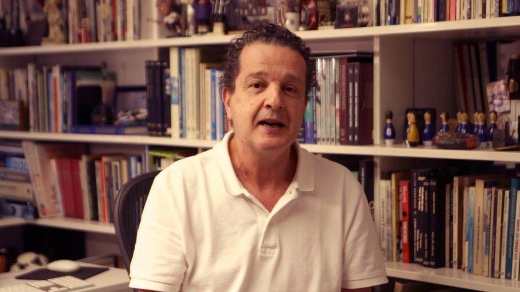 """Colega de escola de Guido Mantega, o jornalista Juca Kfouri está inconformado com a prisão do ex-ministro da Fazenda e com os desdobramentos da Operação Lava Jato; para ele, a prisão de Mantega e o indiciamento de Lula, são uma grande estratégia para encontrarem motivos jurídicos para """"melar"""" a operação, uma vez que o grande serviço já foi feito: """"o impeachment de Dilma Rousseff e o nome do Lula jogado na lama""""; leia a íntegra do depoimento de Kfouri"""