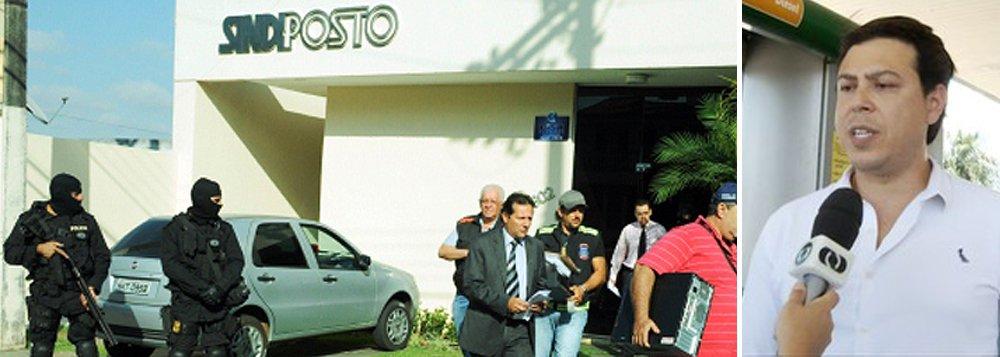 Ligações telefônicas feitas pela Polícia Civil do Tocantins apontam o suposto envolvimento de um empresário de Palmas em cartel de combustíveis no Tocantins; a polícia grampeou o celular do presidente do Sindicato dos Revendedores de Combustíveis do Tocantins (Sindiposto), Eduardo Augusto Rodrigues Pereira, por um mês; conhecido como Duda, ele é investigado por comandar o cartel. Em uma das conversas, Pereira fala com Neizimar Cabral (a quem chama de Leidimar), chefe de fiscalização do Instituto Nacional de Metrologia, Qualidade e Tecnologia (Inmetro) no Tocantins, e chega a ameaçar um dos fiscais