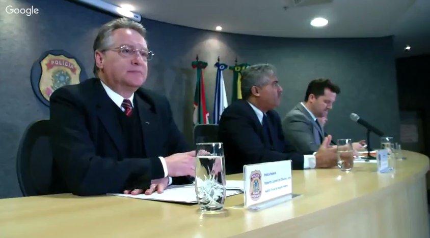 """O juiz Sérgio Moro, o procurador Carlos Fernando e o delegado Igor de Paula são """"cabos eleitorais"""" do PSDB, do DEM e até mesmo do PMDB, que está a usurpar o poder central por meio de um golpe de estado bananeiro — terceiro-mundista"""