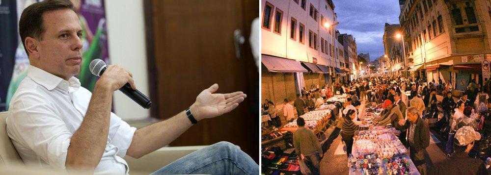 """De Bueno Aires, o prefeito eleito de São Paulo, João Doria (PSDB), anunciou que entre as medidas de sua gestão está a retirada do comércio ambulante nas ruas de São Paulo; para isso, prometeu melhorar parceria com a Polícia Militar, por meio do programa em que a Prefeitura paga policiais em folga para combater o comércio irregular nas ruas da cidade;""""Eles vão atuar em espaços públicos organizados, iluminados, seguros e em locais com movimento para atrair potenciais compradores. Não nas ruas"""", disse o tucano"""