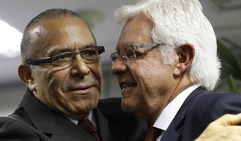 Um congresso da Fundação Ulysses Guimarães que custou mais de R$ 277 mil, almoços de até R$ 9.000 e uma 'confraternização' de fim de ano ao custo de R$ 30 mil, foi bancado ilegalmente com recursos do Fundo Partidário; no período em que as despesas ocorreram, a FUG foi presidida por Moreira Franco (PMDB-RJ) e Eliseu Padilha (PMDB-RS), dois dos mais próximos colaboradores de Michel Temer