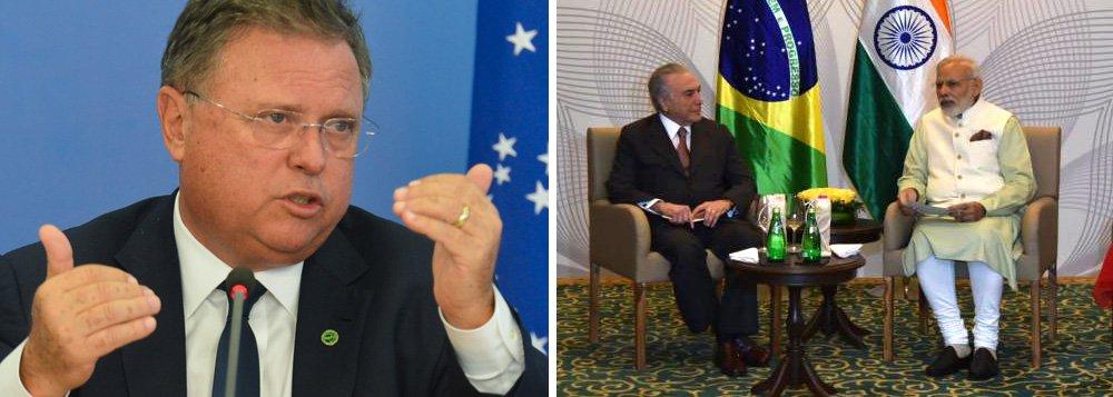 """Ministro da Agricultura, Blairo Maggi, classificou a Índia como um país """"muito protecionista"""" e afirmou que o país precisa """"retirar as barreiras fitossanitárias"""" caso queira ser um parceiro estratégico do Brasil; """"A Índia, que quer o Brasil como um parceiro estratégico, precisa retirar as barreiras fitossanitárias que aí estão colocadas, porque elas não existem. O que existe é a política de não querer importar ou dar preferência a um outro país que não seja o Brasil"""", afirmou;declaração aconteceu pouco após Michel Temer reunir-se com o primeiro-ministro indiano Narendra Modi para tratar de investimentos e do comércio bilateral entre as duas nações."""