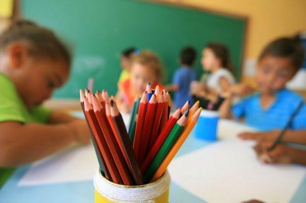 Não há prioridade mais urgente na educação básica do que a mobilização do país para alfabetizar e garantir o letramento adequado no ensino fundamental, até porque as metas de escolarização universal de nível médio são absolutamente dependentes de superação dessas dificuldades