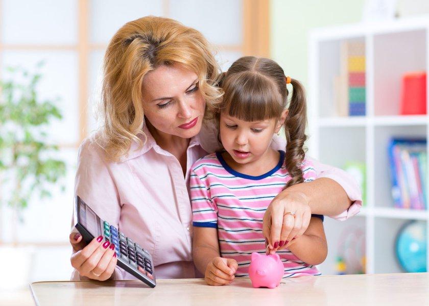 A mesada é uma ótima ferramenta para inserir as crianças e jovens no universo financeiro. No entanto, há alguns erros cometidos pelos pais/responsáveis nessa hora que podem fazer com que tenha o efeito contrário, dando maus exemplos à nova geração