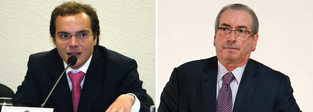 Amigo e operador de Eduardo Cunha no esquema de propina do FGTS, o empresário Lúcio Funaro, preso na sexta-feira passada, promete atirar contra 200 parlamentares em um possível acordo de delação premiada; como apontou hoje o colunista Lauro Jardim, Funaro pode tirar de Cunha o seu último poder, o de destruir, uma vez que sabe da maior parte de seus segredos; nesta quinta-feira, o Ministério Público Federal mandou um recado por meio de uma reportagem do Globo, que trouxe a fala de um procurador não identificado: entre Cunha e Funaro, só será aceita uma delação, pois os dois teriam conhecimentos dos mesmos fatos
