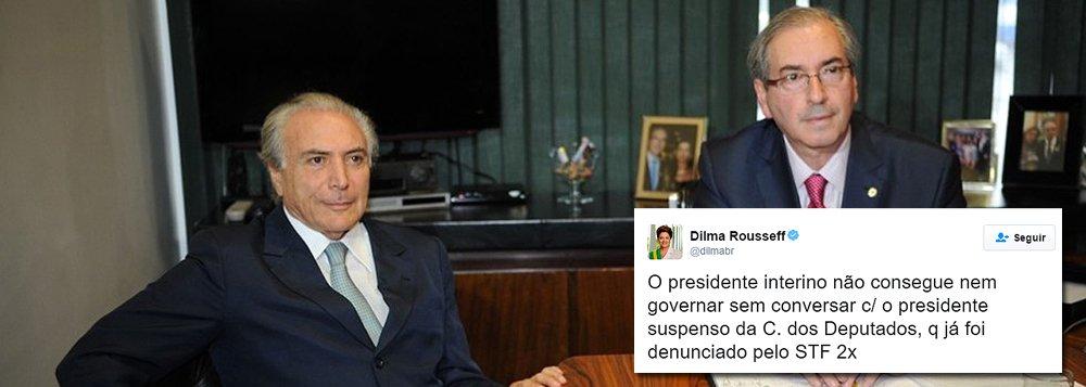 """Presidente Dilma Rousseff usou o Twitter para criticar o encontro secreto do interino Michel Temer com Eduardo Cunha, no Jaburu, para """"avaliar o quadro político atual"""": """"O presidente interino não consegue nem governar sem conversar com o presidente suspenso da Câmara dos Deputados, qu já foi denunciado pelo STF 2 vezes""""; """"O erro mais óbvio que cometi foi a aliança que eu fiz, para a reeleição, com o grupo político de quem teve atitude de usurpação e traição"""", acresentou; """"Poderíamos ter sido mais contundentes para denunciar golpe articulado pela mídia, descontentes que """"não queriam pagar o pato"""", oposição e golpistas"""", disse Dilma"""